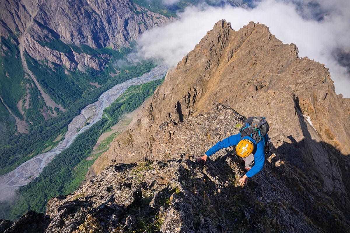 Bota de montañismo ligera