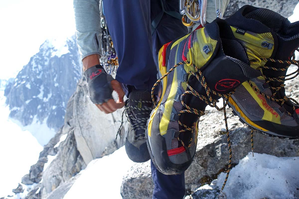 Botas de montañismo (ligero La Sportiva Trango Tech GTX colgante)